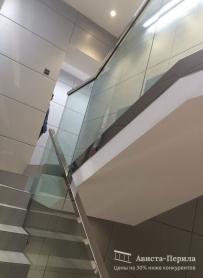 Перила со стеклом на точечном креплении. ул. Фридриха Энгельса 6-2 салон красоты